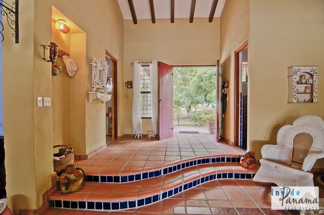Las Lagartijas Panama Real Estate REDUCED!! Spacious, Ranch Home for Sale in Las Lagartijas, Panama (Pacific Beaches) 9