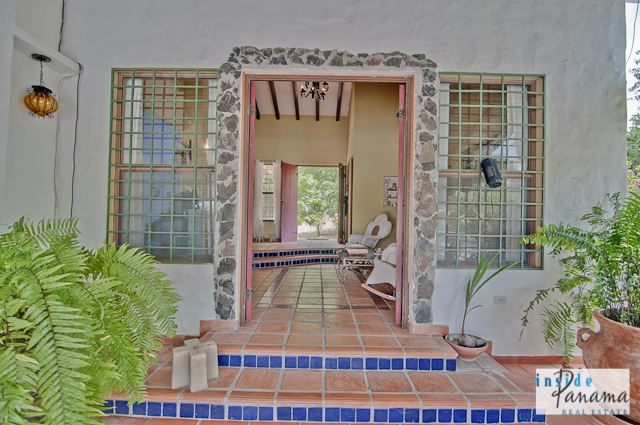 Las Lagartijas Panama Real Estate REDUCED!! Spacious, Ranch Home for Sale in Las Lagartijas, Panama (Pacific Beaches) 11