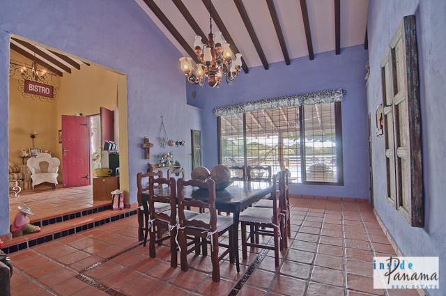 Las Lagartijas Panama Real Estate REDUCED!! Spacious, Ranch Home for Sale in Las Lagartijas, Panama (Pacific Beaches) 7