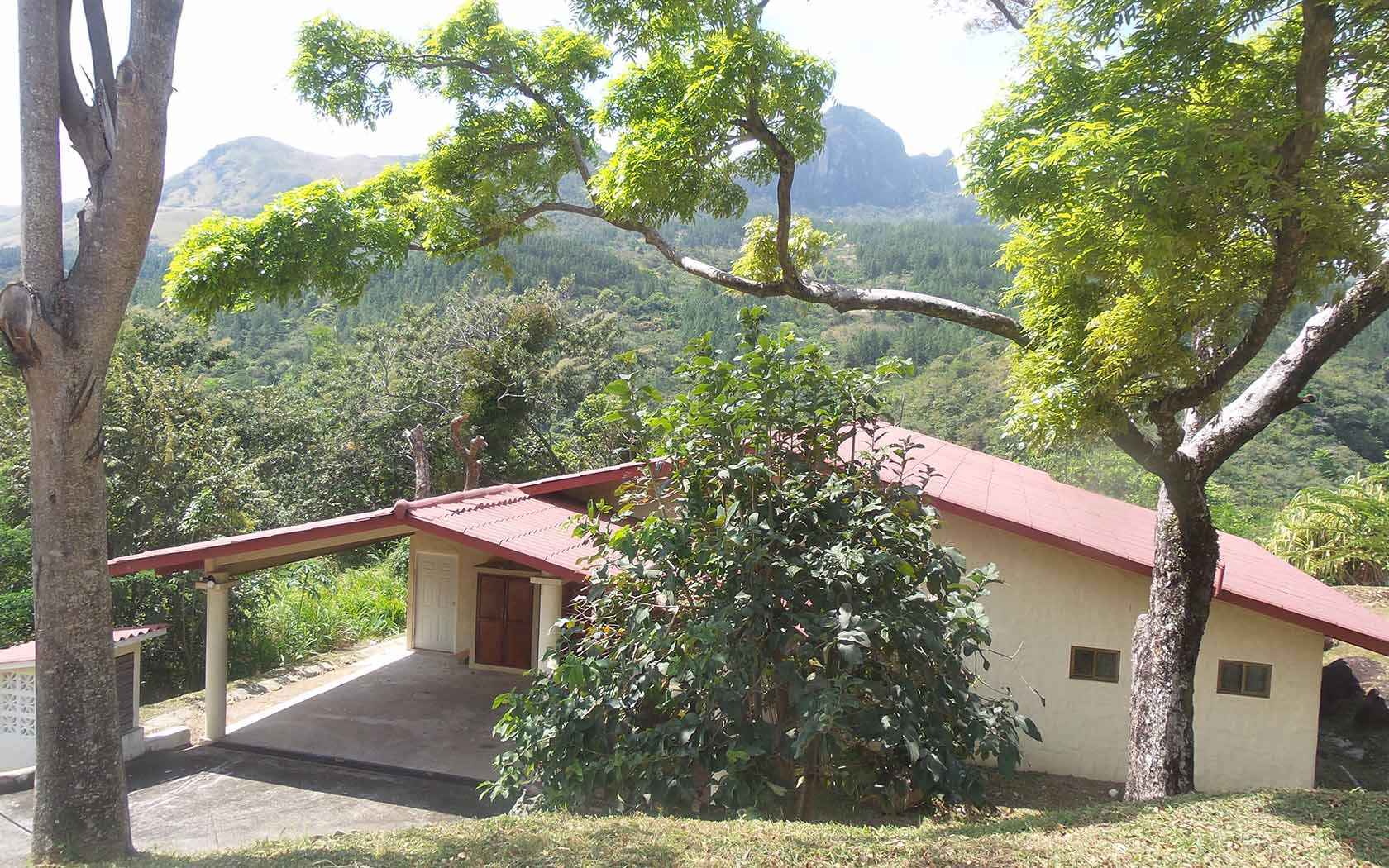 Panama-property-panamaequitymountain-home-near-river-altos-del-maria.jpg