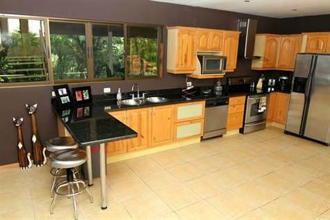 Manuel-Antonio-Costa-Rica-property-costaricarealestateMA072-8.jpg