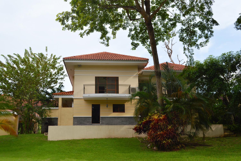 Clayton-Panama-property-panamaequitybest-price-three-bedroom-home-camino-de-cruces-2-8.jpg