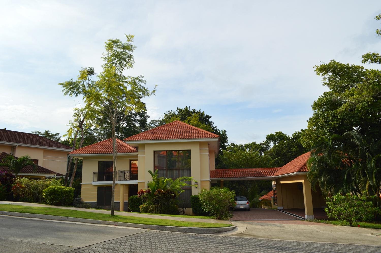 Clayton-Panama-property-panamaequitybest-price-three-bedroom-home-camino-de-cruces-2-9.jpg