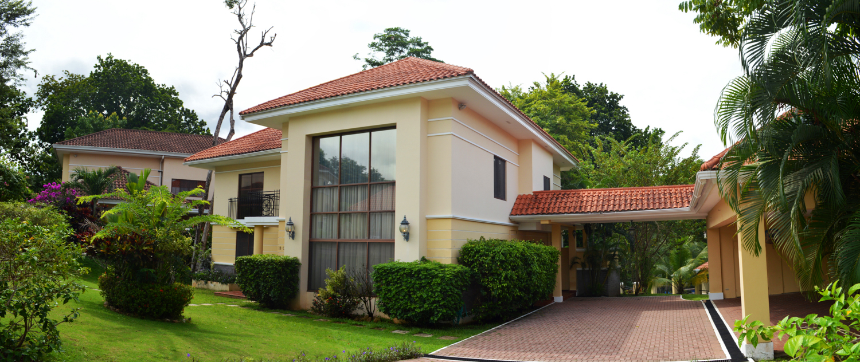 Clayton-Panama-property-panamaequitybest-price-three-bedroom-home-camino-de-cruces-2.jpg