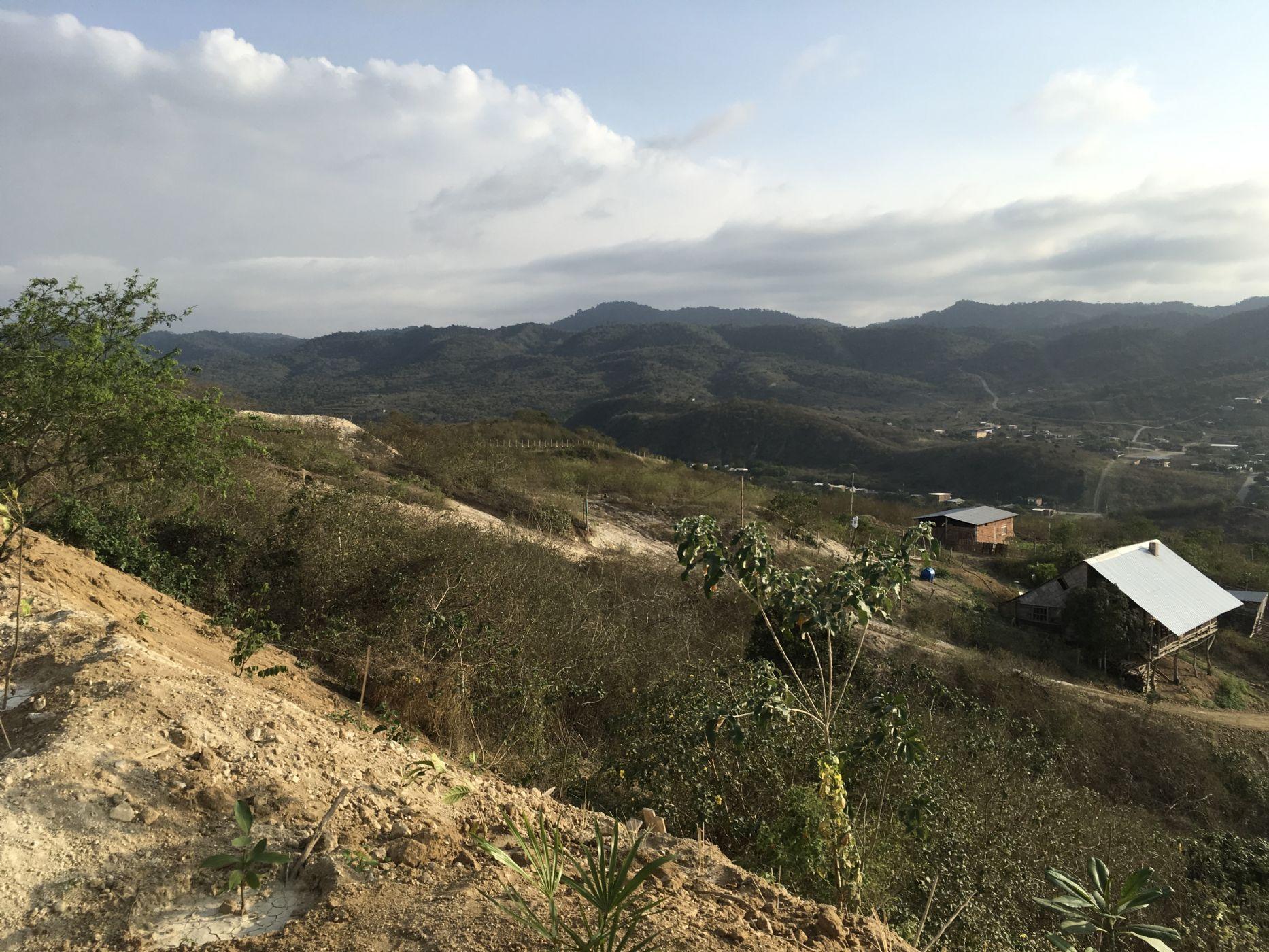 Puerto-Lopez-Ecuador-property-513689.JPG