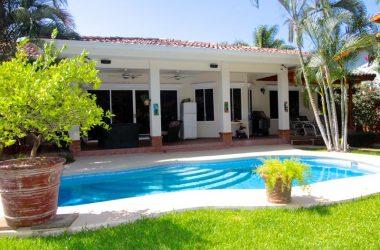 Playa Flamingo Costa Rica - Beautiful 4 Bed 2 Bath Home in Altos de Flamingo Gated Community
