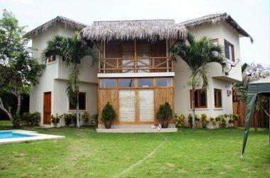 Ecuador - San Jose Pool House