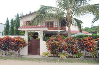 Olon Ecuador - Oloncito Dream Home with 2 rentals!: Beautiful home in the desirable Oloncito neighborhood of Olon.  Built in rental  income!!!