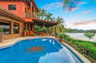 Playa Flamingo Costa Rica - Oceanfront Paradise in Playa Flamingo – Great Rental Income!