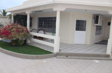 - Fantastic Salinas Home: Amazing Buy on the Very Open and Spacious Home.