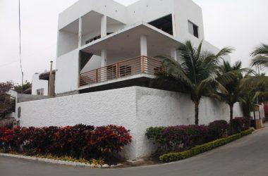 - Prime Exclusive Punta Blanca: Home in Punta Blanca Ready to Finish