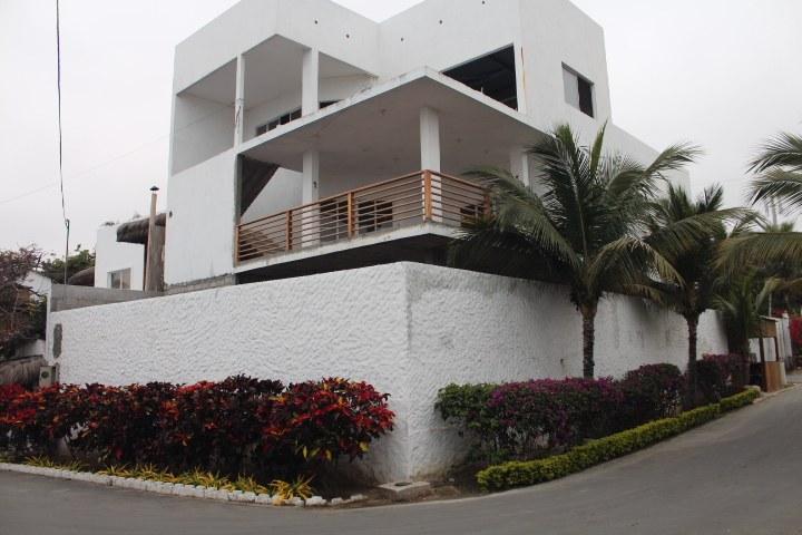 Punta-Blanca-Ecuador-property-RS1800551.jpg