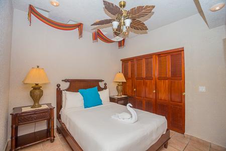 Roatan-Honduras-property-roatanlife1206-6.jpg