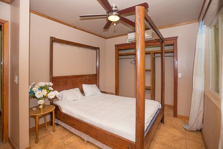 Roatan-Honduras-property-roatanlife1202-5.jpg