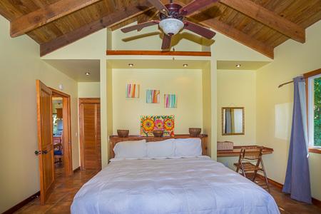 Roatan-Honduras-property-roatanlife1202-7.jpg