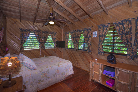 Roatan-Honduras-property-roatanlife1207-5.jpg