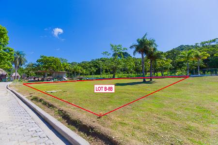 Roatan-Honduras-property-roatanlife1214-2.jpg