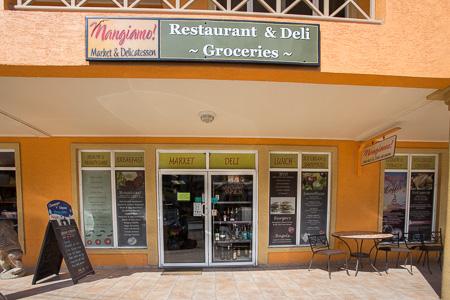 Roatan-Honduras-property-roatanlife1213.jpg