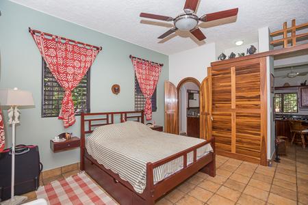 Roatan-Honduras-property-roatanlife1219-4.jpg
