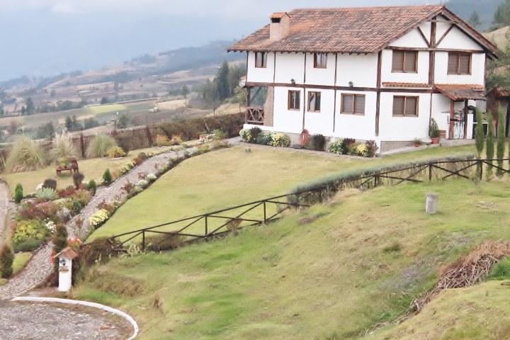 Otavalo-Ecuador-property-RS1900128-4.jpg