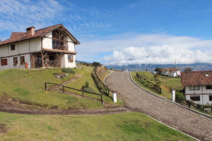 Otavalo-Ecuador-property-RS1900128-9.jpg