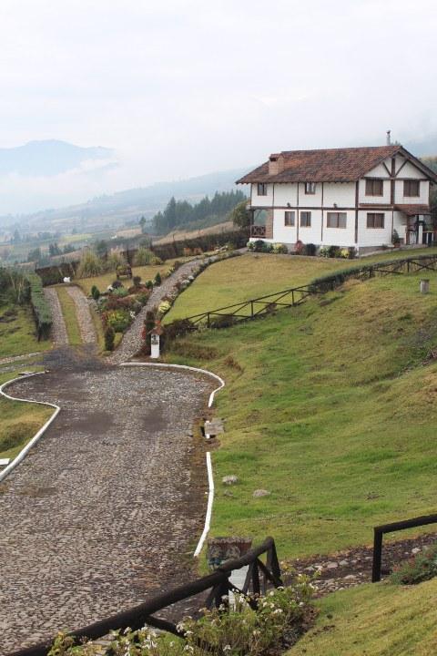 Otavalo-Ecuador-property-RS1900128.jpg
