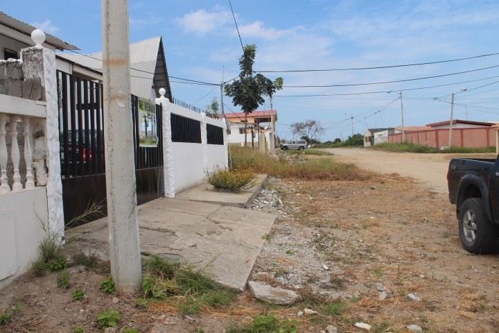 Ballenita-Ecuador-property-RS1900145-1.jpg