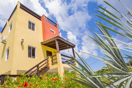 Roatan-Honduras-property-roatanlife1236-9.jpg