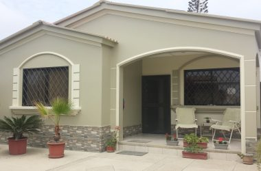 santa elena salinas Ecuador - A beautiful completely updated home in the quite community of La Milina