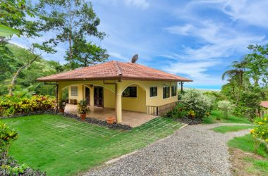 Ojochal Costa Rica - 3 ACRES – 2 Bedrooms, 1 In Main Home, 1 In Guest Home, Pool, Ocean View, Extra Building Site!!!
