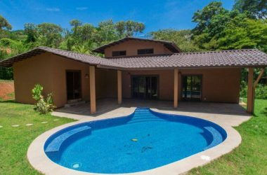 Ojochal Costa Rica - 0.22 ACRES – 3 Bedroom Brand New Home With Pool, Walking Distance To Town!!
