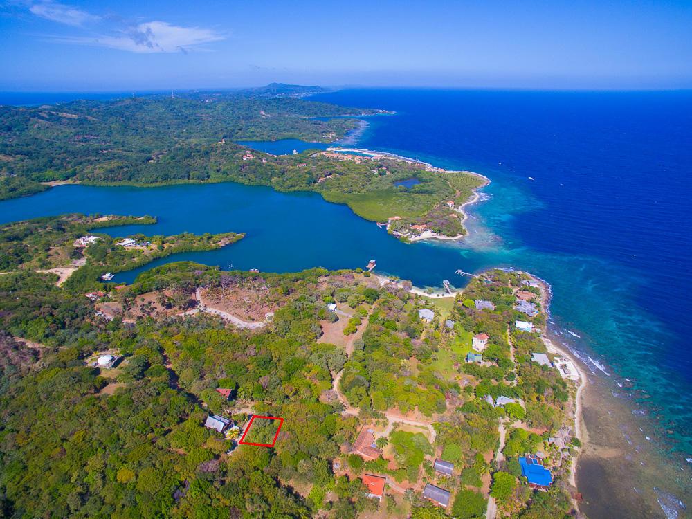 Roatan-Honduras-property-roatanlife18-258-3.jpg