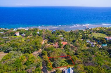 Honduras - Ocean View Lot in First Bight