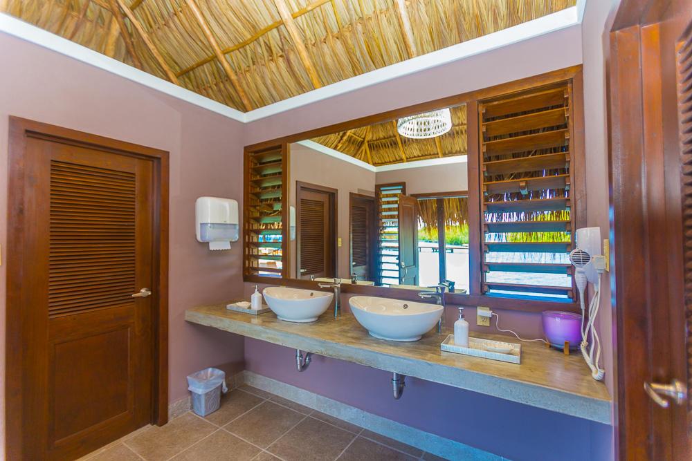 Roatan-Honduras-property-roatanlife16-526-11.jpg
