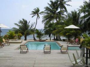 Roatan-Honduras-property-roatanlife16-536-1.jpg