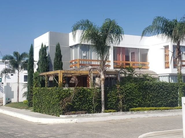 Punta-Blanca-Ecuador-property-554692.jpg