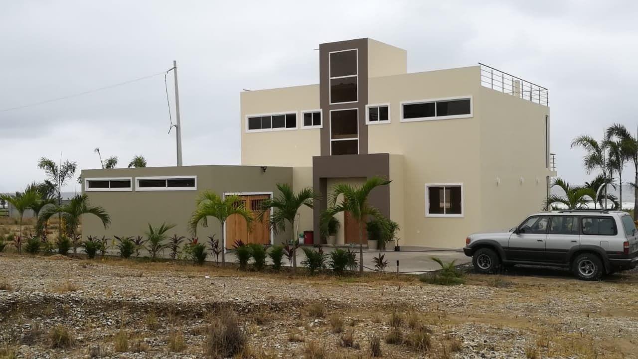 Puerto-Cayo-Ecuador-property-554621-1.jpg