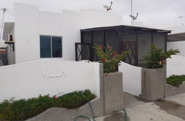 Salinas Ecuador - Stylish Villa in Excellent Location Just Minutes Awat from the Beach & El Paseo Mall