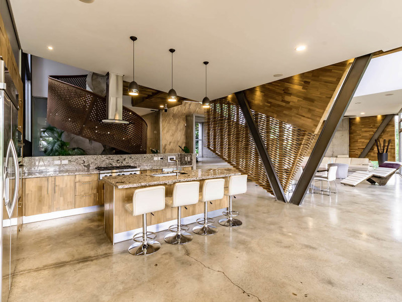 Vista-desde-la-terraza-a-la-cocina-y-comedor