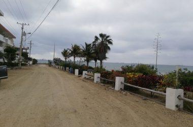 Ballenita Ecuador - Ballenita Ocean Front=Project Ready.- Fantastic Opportunity for a Private home or Project