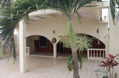 Salinas Ecuador - Comfortable Salinas Home Lots Of Space Both Interior and Exterior