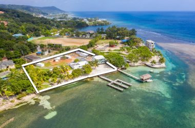 Honduras - 1.2 acres of prime Oceanfront land with 235 ft of Ocean footage – development property