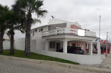 Capaes Ecuador - Ocean Front Home-Capaes Beach: Fantastic Opportunity. Located in Villa Marina with Direct Access to Capaes Beach. Excellent Condition