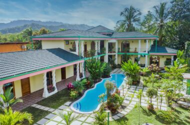 Matapalo Costa Rica - 0.32 ACRES – 9 Room Hotel With Pool Just Steps From The Beach On Titled land!!!!