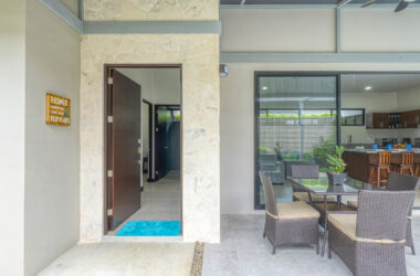 Uvita Costa Rica - 0.1 ACRES – 3 Bedroom Modern Home With Pool Near Center Of Uvita At A Great Price!!!