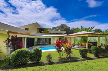 Uvita Costa Rica - 0.22 ACRES – 4 Bedroom 2 Story Home With Pool Short Walk To The Beach!!!!!