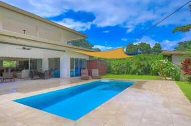 Uvita Costa Rica - 0.18 ACRES – 3 Bedroom Brand New Modern Home With Pool 5 Min Walk To Beach!!!!