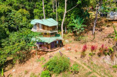 Dominical Costa Rica - 11 ACRES – 1 Bedroom Cabin, Open Farm Land, Springs, River!!!