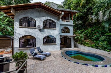 MANUEL ANTONIO Costa Rica - 0.27 ACRES – 4 Bedroom Ocean View Home With Pool Surrounded By Lush Rainforest!!!!