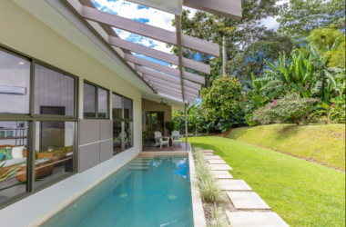 uvita Costa Rica - 0.21 ACRES – 2 Bedroom Modern Home With Pool And Solar Panels Walking Distance To The Beach!!!!
